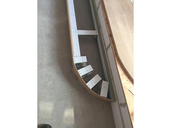 montage escalier stunning ajustement et rglage du faux limon en partie haute with montage. Black Bedroom Furniture Sets. Home Design Ideas